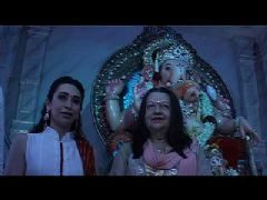 Karishma Kapoor and Babita at Ashish Shelar's Ganpati Darshan