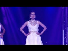 Bollywood Celebs on the ramp at India Bullion And Jewellery Awards 2013