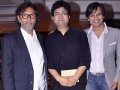 Vivek Oberoi, Prasoon Joshi and Rakeysh Omprakash Mehra at Educational awareness program