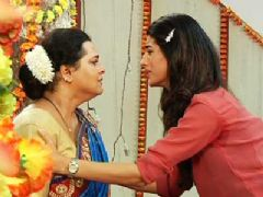 Pooki upset with Kamla