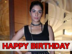 Pooja Gor Celebrates her Birthday with India-Forums - Exclusive
