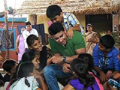 Saras, Denny, Kabir and Anushka Performs a Street Play - Saraswatichandra