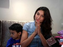 Gauahar Exclusive Gift Segment - Part 02