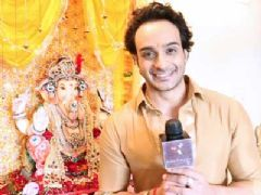 Angad Prepares To Immerse Ganesh Idol