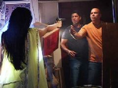 Sanam Tries To Rescue Herself From The Goons
