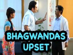 Bhagwandas gets upset on the doctor