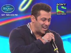 Salman Khan in Indian Idol junior
