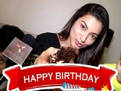 Gauahar Celebrates Her B'day With India-Forums.