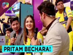 Pritam and Sumeet flirt with Sunny Leone.