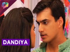 Akshara, Naitik, Naira, Kartik and Gayu went to play dandiya