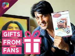Anas Rashid receives gifts from his fans- Part 2