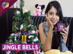 Niti Taylor Decorates her Christmas Tree