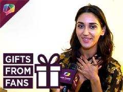Nikita Dutta  Accepts Gifts From Her Fans