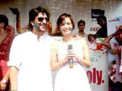 Television Celebs At Holi Party And Dia and Arshad promote 'Hum Tum Aur Ghost' at Zoom's Holi party