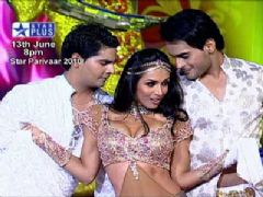 Star Parivaar Awards 2010 - Malaika Arora Khan Performance