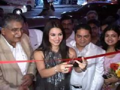 Mahima and Om Puri at the launch of 'The Great Nawabs Restaurant'