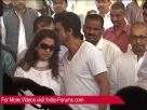 Shah Rukh Khan, Deepika Padukone at Juhi Chawla's brother Bobby Chawla's funeral Video