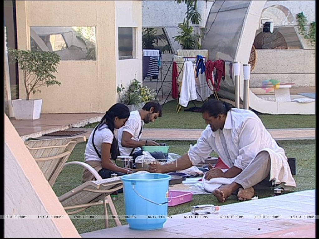 Still scene from Bigg Boss 4 (113172) size:1024x768