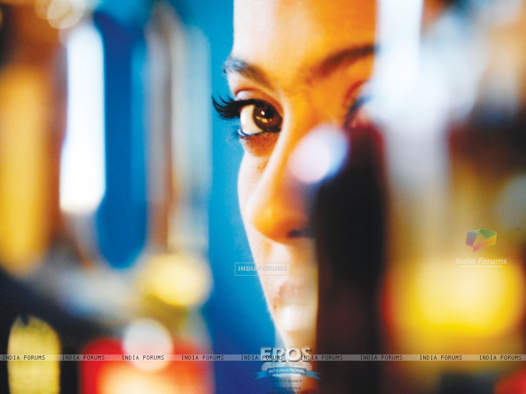 Kajol eyes looking charming and beautiful (12304) size:1024x768