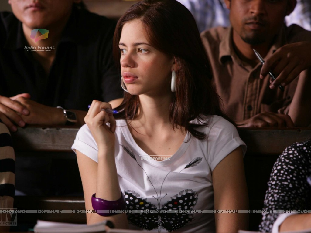 Kalki Koechlin thinking deeply (12521) size:1024x768