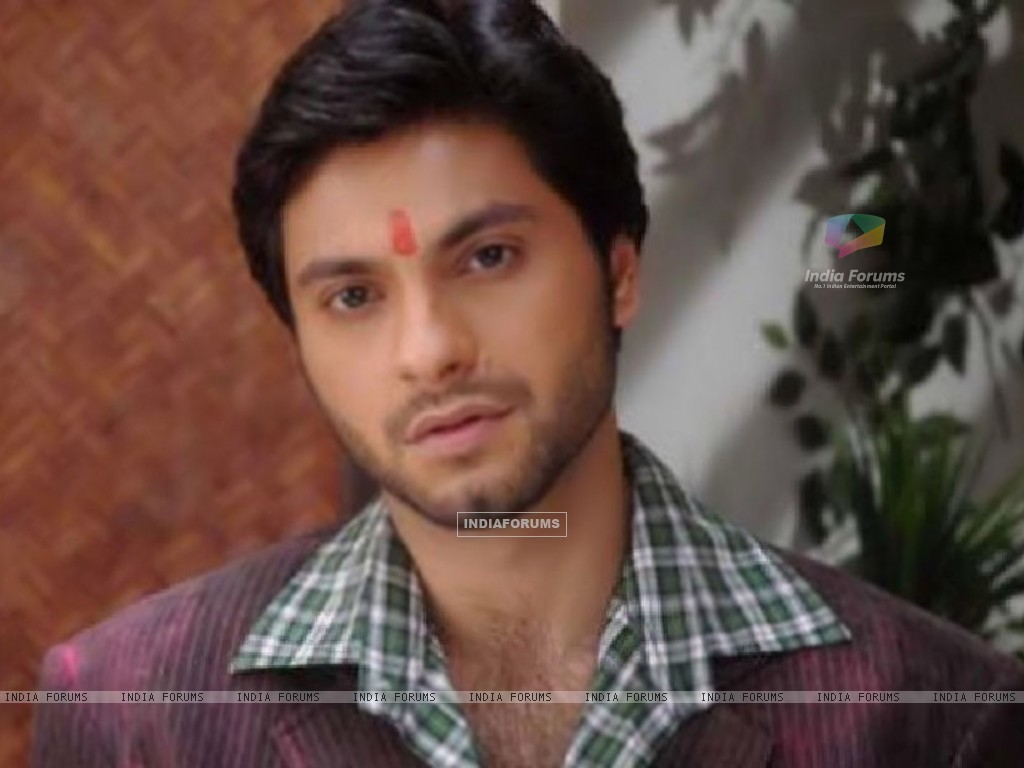 Mishal Raheja as Dutta Patil (133048) size:1024x768