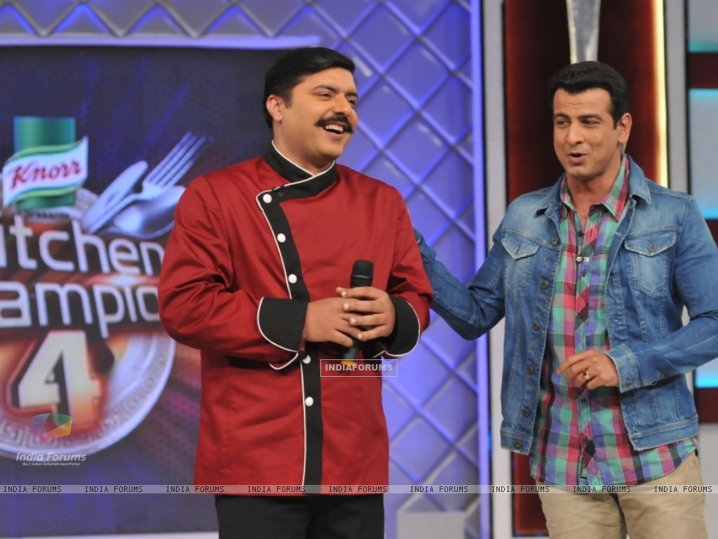 Chef Gauti with Ronit Roy in Kitchen Champion 4 (135165) size:1024x768