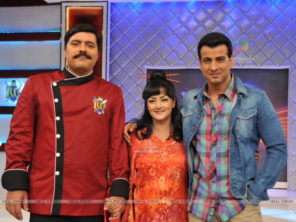 Chef Gauti, Ronit Roy and Smita Singh at the launch of Kitchen Champion (135167) size:1024x768