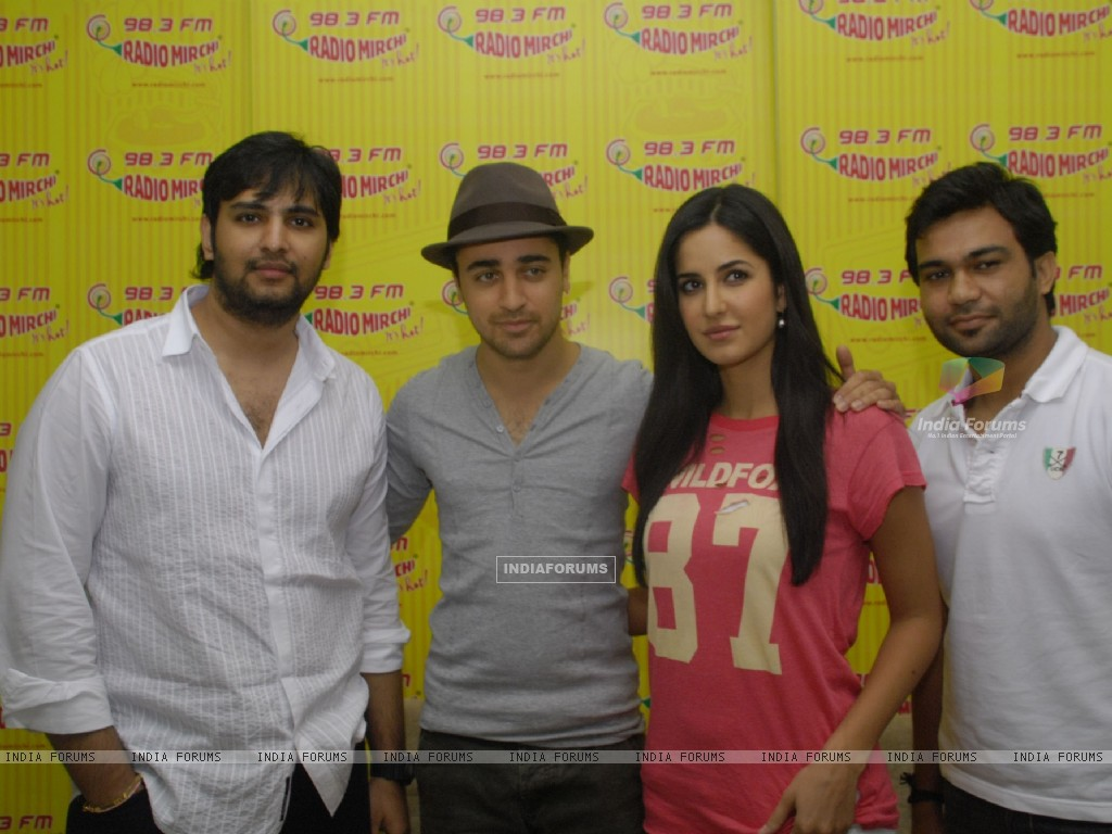 Imran and Katrina Promote MBKD at Radio Mirchi. . (153950) size:1024x768