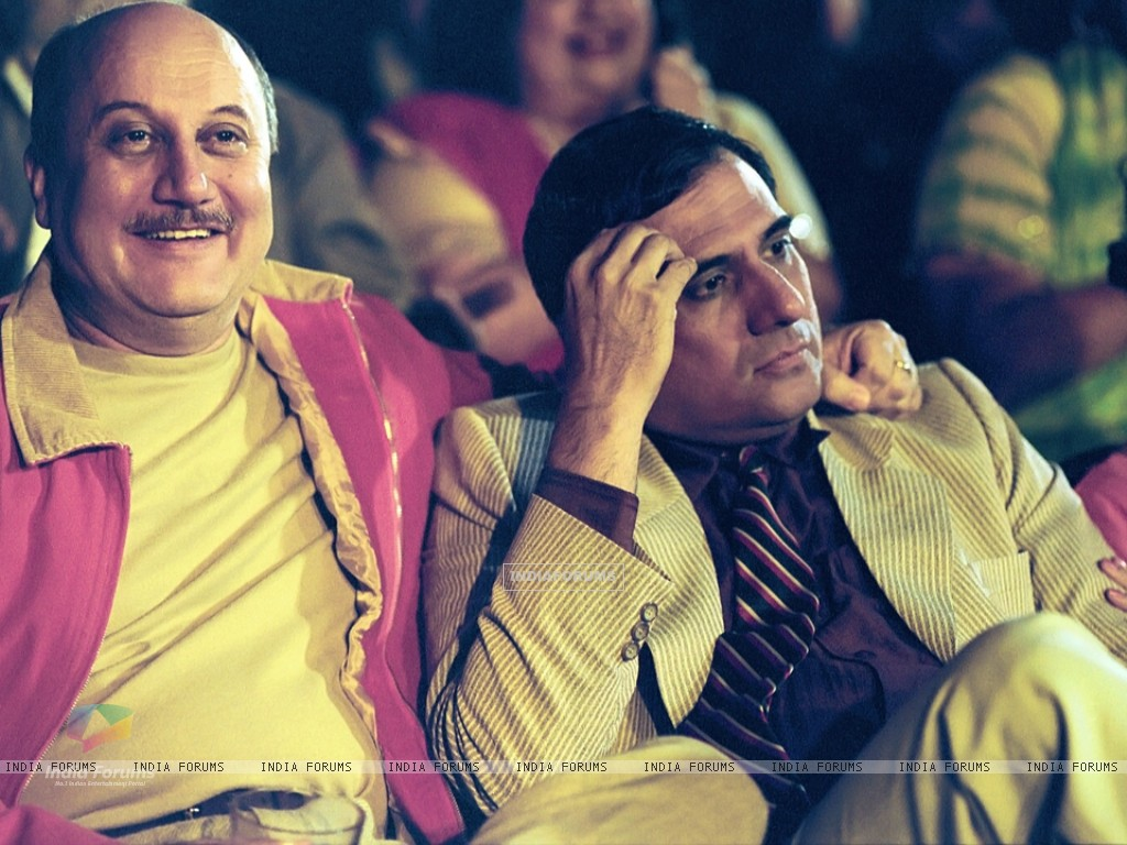 Anupam looking happy and Boman looking confused (15512) size:1024x768