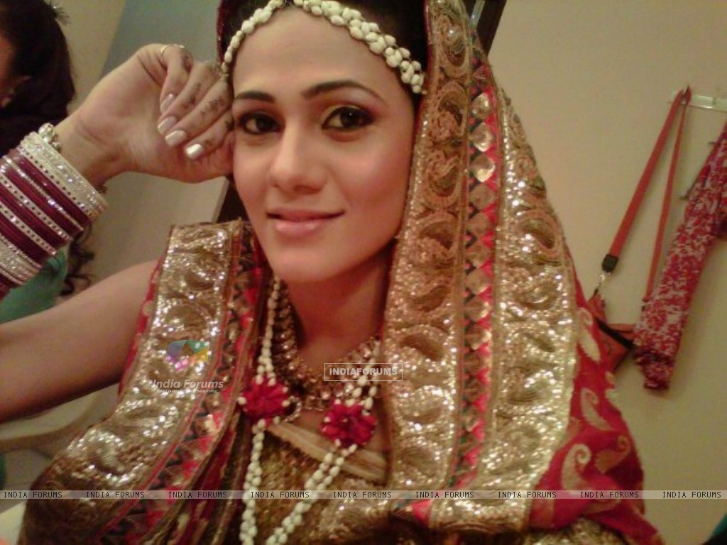 Kajal Pisal as Ishikaa Kapoor in bridal outfit (155378) size:1024x768