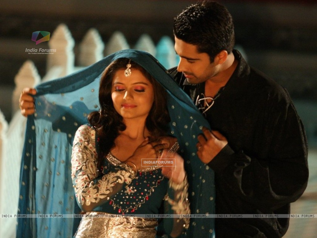 Avinash Sachdev as Dev and Rubina Dilaik as Radhika in Chhoti Bahu - Sawar Ke Rang Rachi (156153) size:1024x768