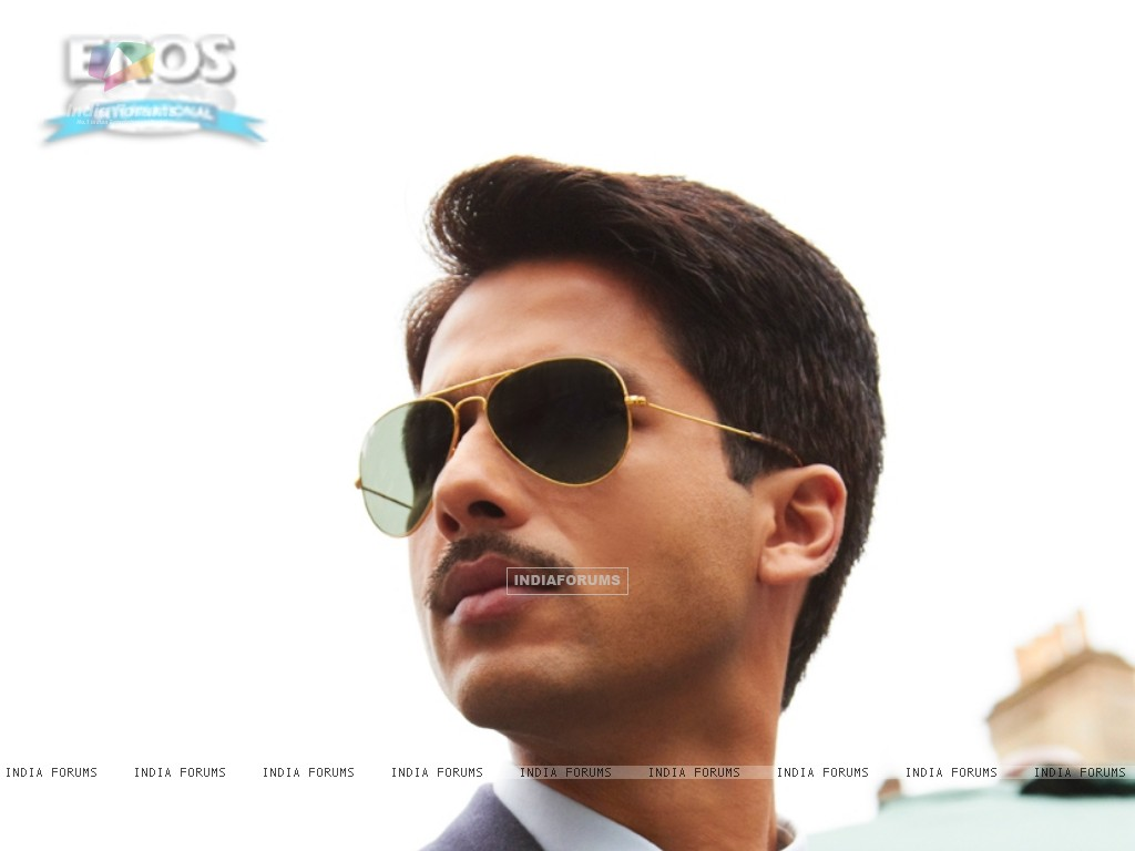 Shahid Kapoor as Harry in the movie Mausam (156298) size:1024x768
