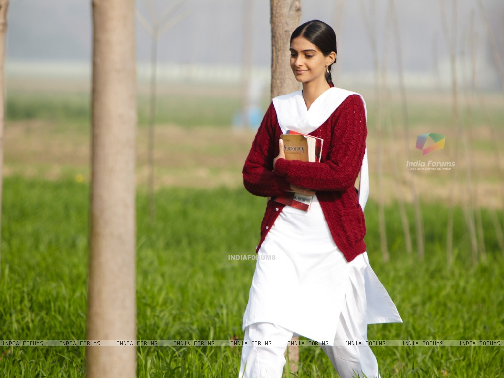 Sonam Kapoor in the movie Mausam (158296) size:1024x768