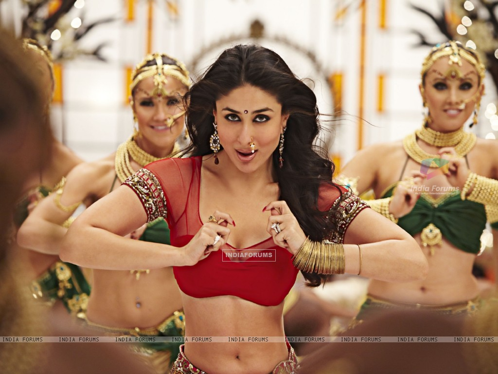 Kareena Kapoor in Ra.One movie (158776) size:1024x768