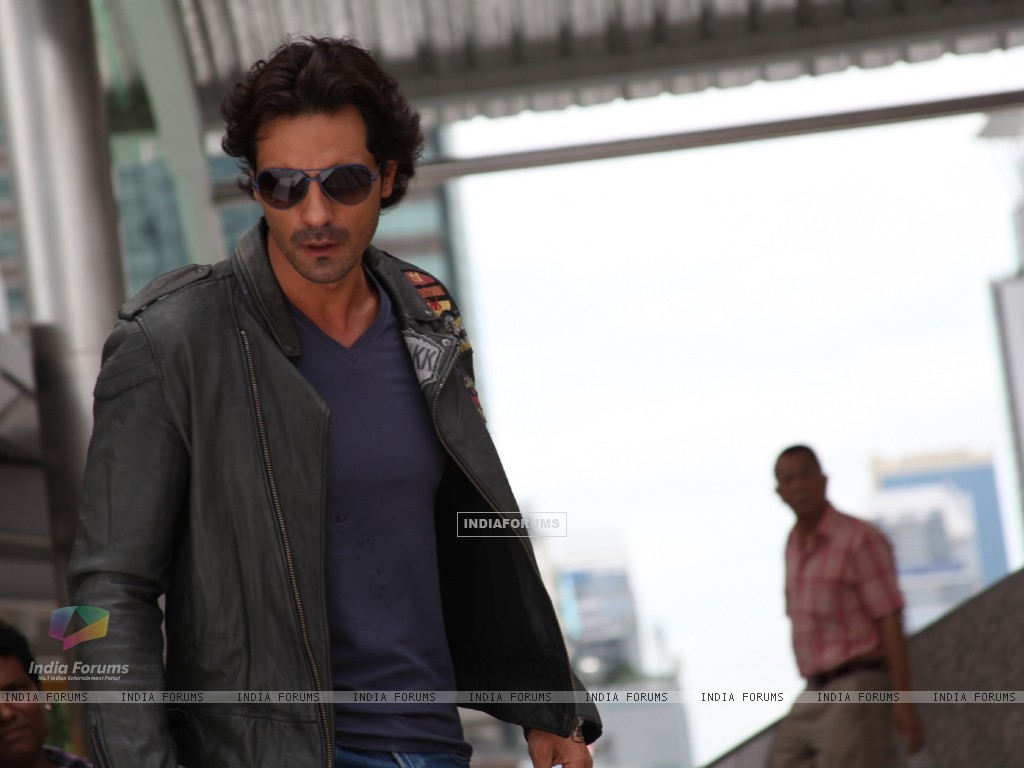 Arjun Rampal in the movie Rascals (159220) size:1024x768