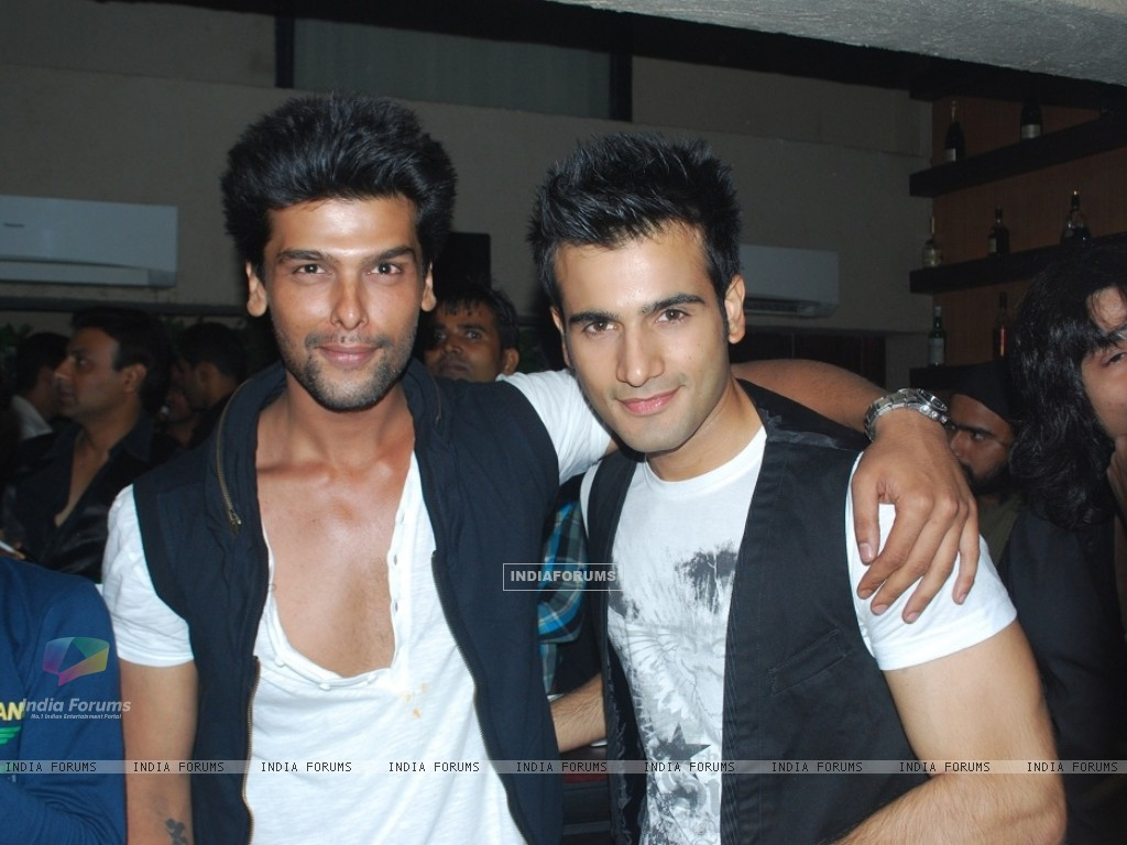 Karan Tacker Shirtless Pics