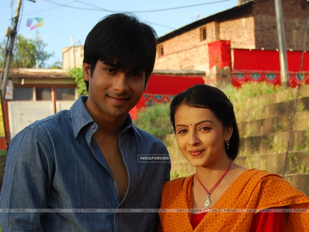 Shrenu Parikh as Aastha and Kunal Verma as Atharva (163586) size:1024x768