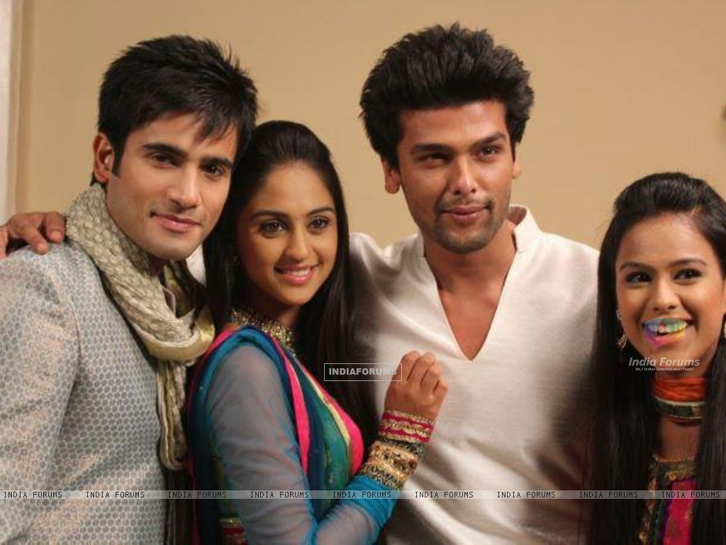 Karan Tacker, Krystle Dsouza, Nia Sharma and Kushal Tandon in the show Ek Hazaaron Mein Meri Behna H (166385) size:1024x768