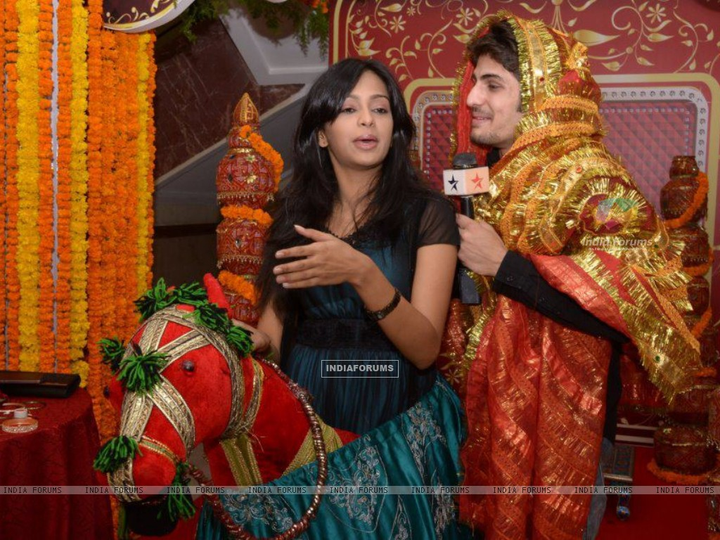 Mugdha Chaphekar & Rajat Tokas at SBS party (170342) size:1024x768