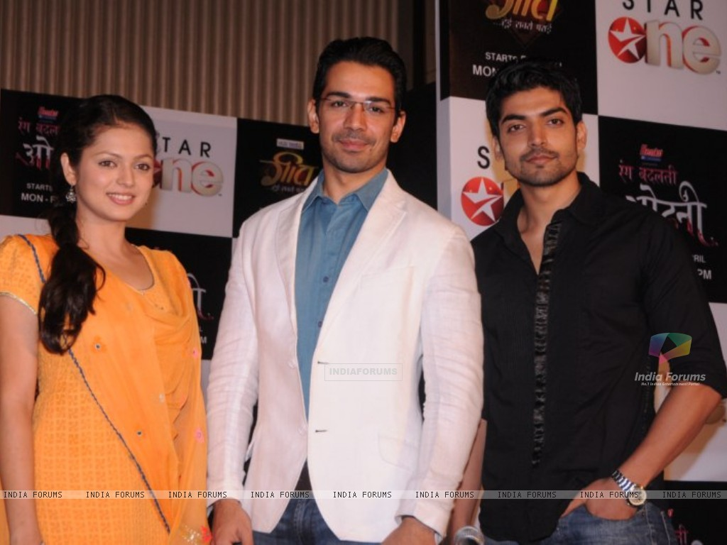 Drashti, Gurmeet and Abhinav at press conference of Geet (171753) size:1024x768