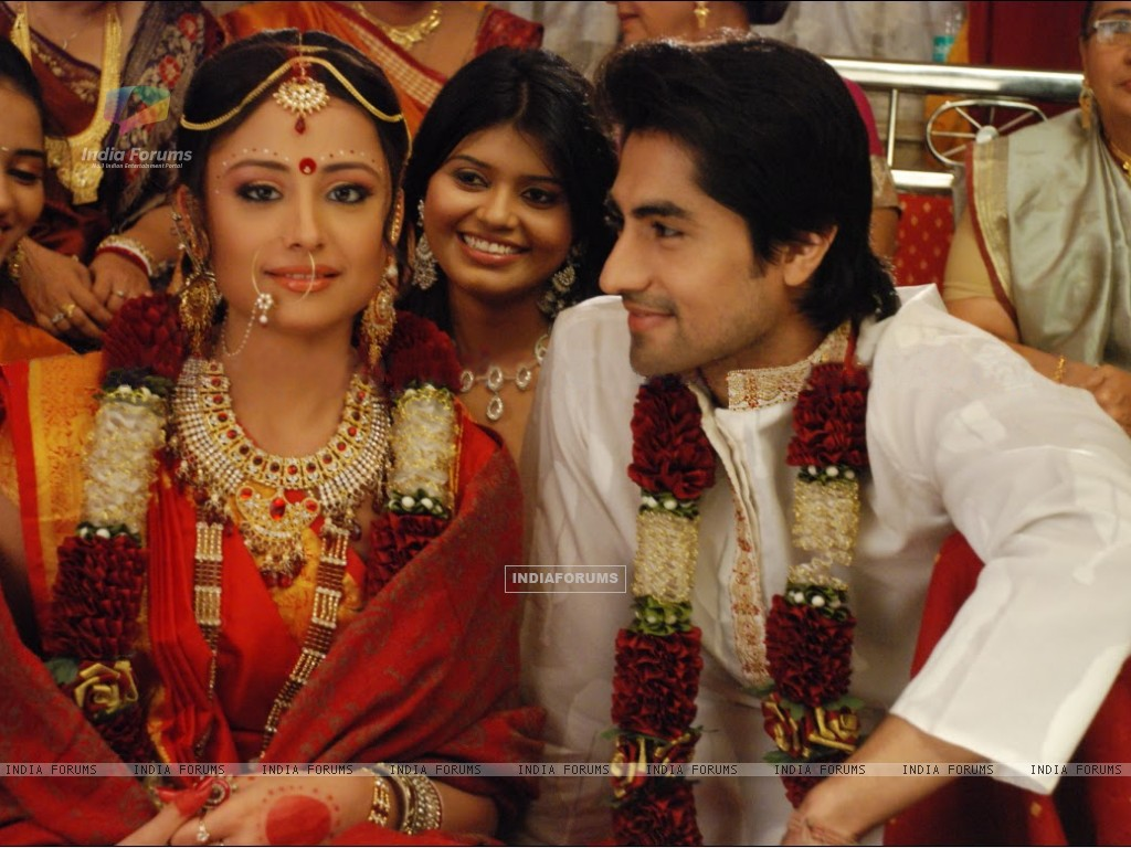 A still of Anurag and Taani from Tere Liye (172366) size:1024x768
