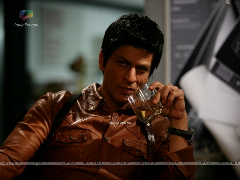 Shah Rukh Khan in the movie Don 2 (172584) size:1024x768