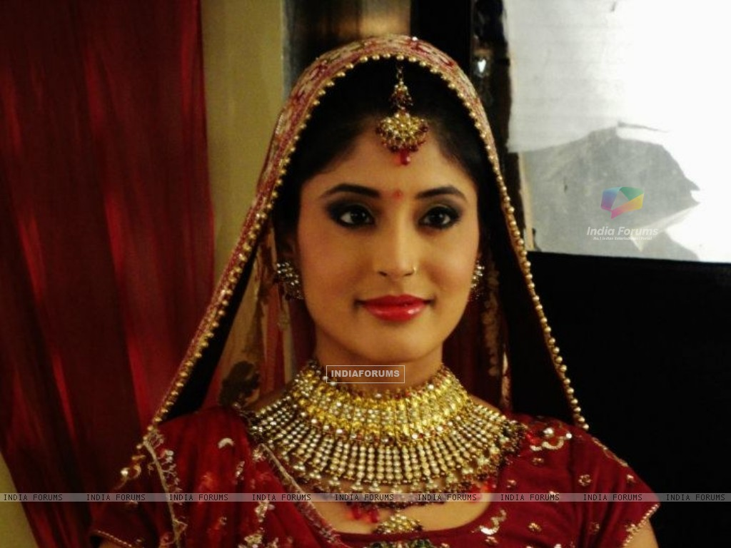Kritika looking beautiful as Arohi (174147) size:1024x768