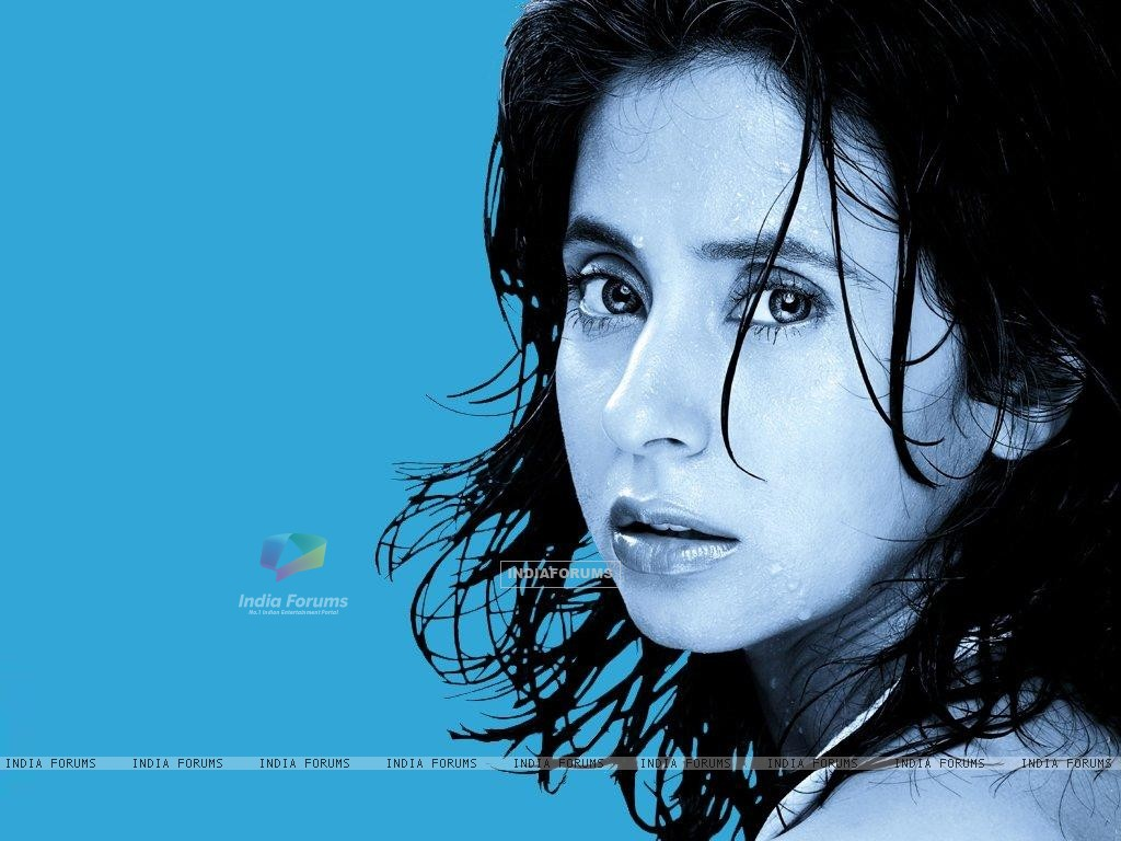 Urmila Matondkar - Wallpaper Colection