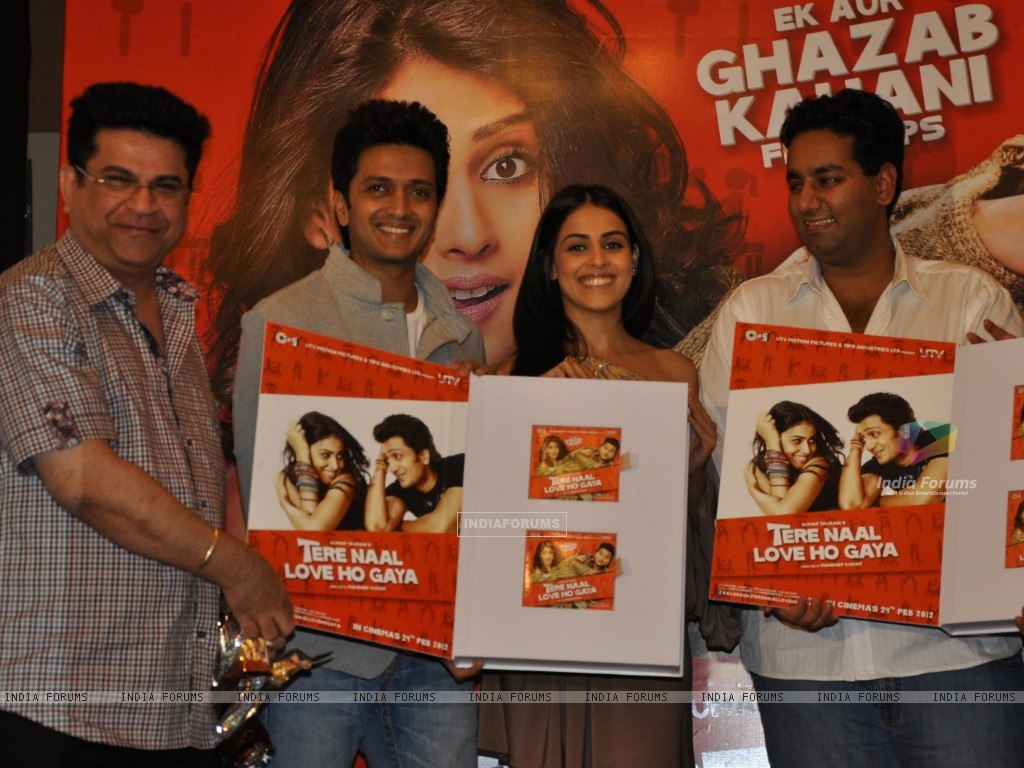 Ritesh Deshmukh & Genelia Dsouza during the music launch of film Tere Naam Love Ho Gaya in Mumbai (180361) size:1024x768