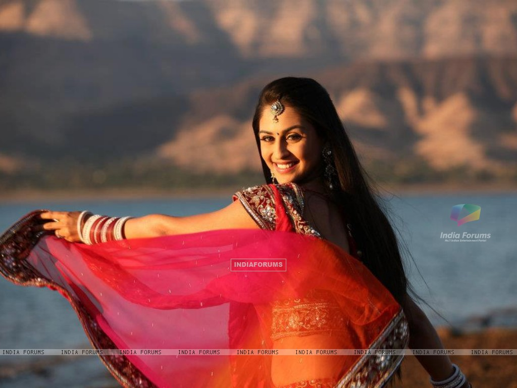 Krystle aka Jeevika at STAR Parivaar Awards 2012 Music video (184702) size:1024x768