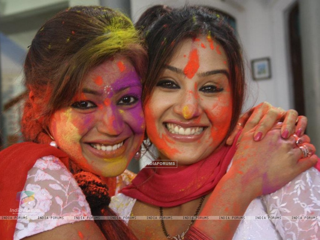 Debina Bonnerjee and Shilpa Shinde on the sets of Chidiya Ghar (189091) size:1024x768