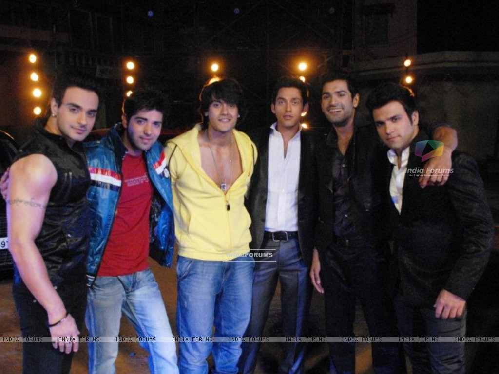 Hitler Didi show bachelor party (189108) size:1024x768