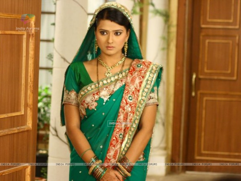 Kratika Sengar on the set of Punar Vivah (196696) size:1024x768