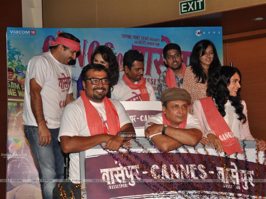 Anurag Kashyap, Richa Chadda, Nawazuddin Siddiqui, Huma Qureshi at Gangs Of Wasseypur Media Meet (198661) size:1024x768